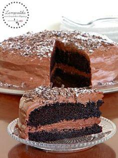 Τούρτα σοκολάτα. - Lamprouka Party Desserts, No Bake Desserts, Dessert Recipes, Chocolate Sweets, Love Chocolate, Gateaux Cake, Greek Recipes, Cake Pops, Vanilla Cake
