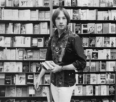 The Monkees, Peter Tork shopping in a bookstore Mike Friends, Hippie Boy, Michael Nesmith, Peter Tork, The Monkees, Monkees Songs, Davy Jones, Music Tv, Pop Group