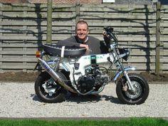 Honda Dax ST50 herkeurd tot 124cc met Honda Nice motor en Over uitlaat.