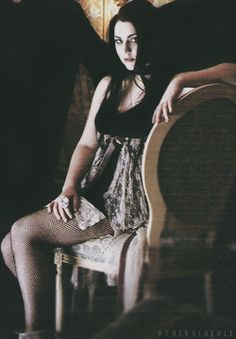 Evanescence Challenge: Best Photos of Amy Lee (18-19/100)