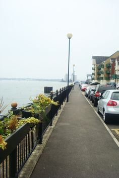 This picture was taken in Southampton. On the left side is the seascape, while the right side is ocean-view room.