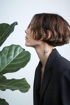 Zara focuses on sustainable style for its spring-summer 2020 markJoin Life collection. Model Freja Beha Erichsen takes the spotlight in a recent fashion shoot. Hair Day, New Hair, Hair Inspo, Hair Inspiration, Zara Models, Mark Borthwick, Freja Beha Erichsen, Hairstyles With Bangs, Hair And Nails