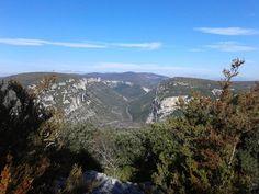 Idée rando ! 👣 Les Gorges de l'Ardèche vues depuis le Bois de Saleyron à Labastide-de-Virac 😍  #vacances #ardeche #gorgesdelardeche #rando
