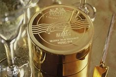 Take a look at the world's most expensive caviar. This rare Beluga white caviar hails from Iran and comes in a gold tin. Most Expensive Caviar, Most Expensive Food, Expensive Taste, Ideas Actuales, Luxury Food, Spiegel Online, Billionaire Lifestyle, Filthy Rich, Luxe Life
