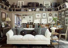 Couch love   via  DESDE MY VENTANA
