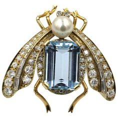 Preowned 1950s Cultured Pearl Aquamarine Gold Bug Pin ($4,600) ❤ liked on Polyvore featuring jewelry, brooches, multiple, aquamarine jewellery, 18k gold jewelry, freshwater pearl jewelry, gold jewellery and aquamarine jewelry