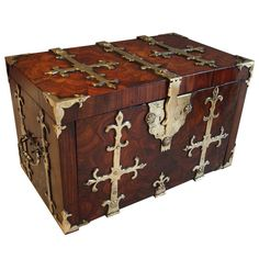17th Century Oyster Veneered Kingwood and Brass Mounted Coffre Fort or Casket | From a unique collection of antique and modern trunks and luggage at https://www.1stdibs.com/furniture/more-furniture-collectibles/trunks-luggage/