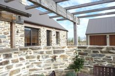 Lake Dunstan Stone House by Chaney & Norman Architects Central Otago, Natural Building, Outdoor Living, Outdoor Decor, Building Materials, Modern Architecture, Building A House, House Plans, Pergola