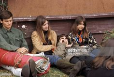 85239644-photo-of-festivals-and-hippies-and-60s-style-gettyimages.jpg (594×402)