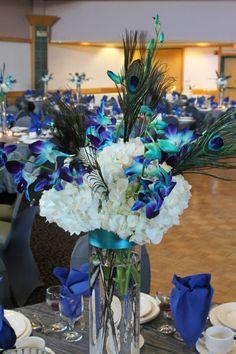 Peacock center pieces for wedding