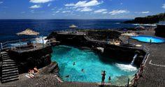 De piscinas charco azul