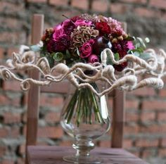 Contemporary Flower Arrangements, Unique Flower Arrangements, Floral Centerpieces, Arte Floral, Tulips In Vase, Floral Bouquets, Ikebana, Flower Designs, Flower Art