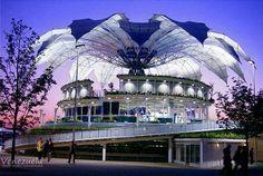 Monumento hermoso ubicado en la ciudad de Barquisimeto, Edo. Lara. La flor de Venezuela