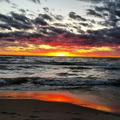 A beautiful sunset captured by @zyoung771! #SouthHaven #PureMichigan