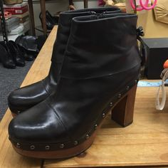 Black leather booties. Make an offer!! Black leather booties. Broken zipper but might be fixable. Minor damages but other than that good condition and very cute. Via Spiga Shoes Ankle Boots & Booties