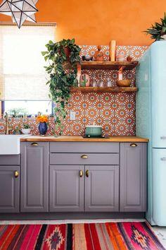 Kitchen Design Ideas and Layout – Home Decor Do It Yourself Apartment Kitchen, Home Decor Kitchen, Rustic Kitchen, Interior Design Kitchen, Home Kitchens, Kitchen Dining, Kitchen Ideas, Kitchen Designs, Spanish Kitchen Decor