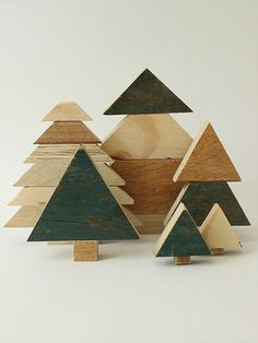 Unique set of 6 wooden (pine) trees, handmade from reclaimed wood. Each tree has its own appearance because of differences in roughness, imperfections, and structures of the wood. By using multiple types of wood per tree and the various forms in a set you get a nice colour and contrast.  -Dimensions (h x w): (small to large) 6 x 3, 4 cm-5.7 x 4.7 x 4 cm-4 cm-5.7 5.3 x 6.8 cm x 5 cm.  Color of the wood can vary per set.