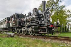 Historical local train between Boekelo and Haaksbergen in the East of the Netherlands. Choo Choo Train, Old Trains, Mbs, Steam Locomotive, Countries Of The World, Paddle, Tractors, Planes, Netherlands