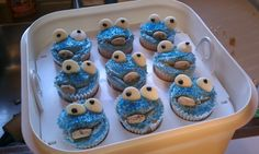 I made these for my daughters first birthday. Cookie monster cupcakes