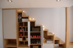 1-oak-stairs-and-storage