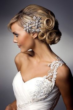 I like these hair pieces! Just big enough to go without a veil without going all lady gaga on everyone.