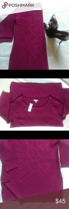New York &Company sweater 100% acrylic machine wash cold New York & Company Sweaters Crew & Scoop Necks