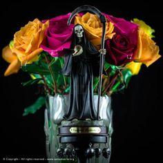 Santa Muerte Prayer, Love My Kids, Prayers, Death, Skull, Mexico City, Karl Lagerfeld, Minis, Shadows