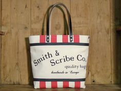 For the Scribe's bag models, we use high quality cotton canvas highlighting its natural color and texture Scribe, Italian Leather, Canvas Tote Bags, Cotton Canvas, Logo Branding, Dark Grey, Screen Printing, Size 14, Reusable Tote Bags