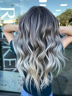 Orange To Blonde Hair, Grey Ombre Hair, Blonde Hair Looks, Brown Blonde Hair, Brunette Hair, Blonde Hair With Silver Highlights, Blonde Honey, Brunette Color, Hair Color Balayage