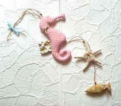 Girlanden & Wimpelketten - Deko Girlande aus Stoff Seepferdchen Maritim Fisch - ein Designerstück von MiMaKaefer bei DaWanda