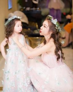 baby -- baby - Mother Daughter matching Dresses mommy and me outfits mommy Cute Asian Babies, Korean Babies, Asian Kids, Mother Daughter Fashion, Mom Daughter, Family Outfits, Kids Outfits, Ulzzang Kids, Wedding With Kids