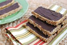 Protein Bar Recipe: Chia Seeds, Peanut Butter, and Honey