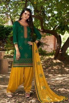 Salwar Kameez, Punjabi Salwar Suits, Patiala Salwar, Anarkali, Indian Dresses, Indian Outfits, Costumes Punjabi, Patiyala Dress, Costume Noir