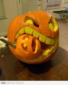 we're carving pumpkins at my house soon, i wish i was good enough to do this, lol.