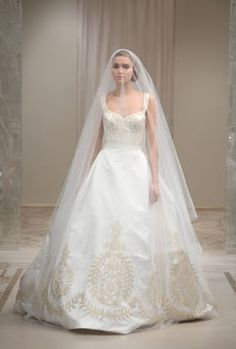 Google Image Result for http://wedding-pictures-02.onewed.com/7396/reem-acra-princess-and-the-pea__detail.jpg