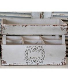 Skrzynka na butelki French Chic French Chic, Shabby Chic, Home Decor, Decoration Home, Room Decor, Shabby Chic Style, Interior Decorating