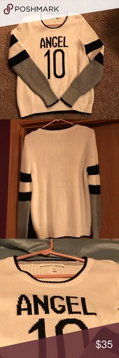 Victoria secret sweater size M Gorgeous sweater,never been worn, paid $59 and I'm pretty firm on  a $35 price, well worth it Victoria's Secret Sweaters Crew & Scoop Necks