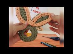 PORTA GUARDANAPO COM FIO DE MALHA - TEMA PÁSCOA. - YouTube Hello Kitty Purse, Easter Crochet, T Shirt Yarn, Diy And Crafts, Knitting, Youtube, Holidays, Shop, Baby