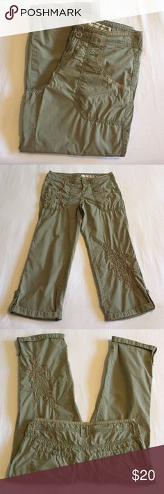 🎀DKNY Jeans Capris (2P) Super cute khaki capris with pretty embroidered detail. I'm selling these for a friend and so wish they were my size - the ideal khaki capri! 100% cotton. 🎀Items with pink bow in the title are 3/$50 -OR- make me an offer🎀 DKNY Pants Capris