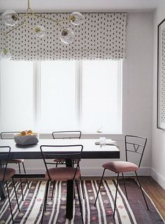 Dining room with pattern