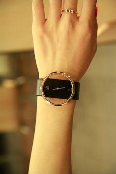 简约经典时尚杂志推荐款 C 钛玫瑰金色透明表盘女款腕表 $79