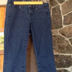 Madewell Skinny Jeans Dark Wash Perfect used condition. Size 25 x 32. Dark blue rinse. Madewell Jeans Skinny