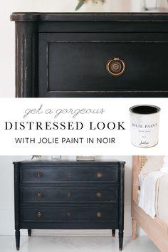 Black Distressed Furniture, Black Painted Furniture, Painted Bedroom Furniture, Refurbished Furniture, How To Paint Furniture, Rehabbed Furniture, Chalk Paint Dresser, Distressed Furniture Painting, Black Chalk Paint
