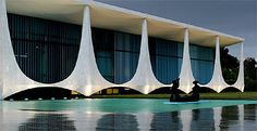 """Jonathan Glancey interviews architect Oscar Niemeyer 