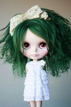 Hello.I was supposed to be popular but I just wanted to be a mermaid. I swam so much my hair turned green so people talk.