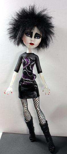 Siouxsie Sioux Tribute Goth Rocker Monster High Spectra Vondergeist Art Doll Repaint by Refabrications  #ooak #ooakdoll #art #doll #artdoll #dollrepaint #repaint #custom #customdoll #Siouxsie #SiouxsieSioux #refabbed #refabrications #spellbound #tribute #tributedoll #goth #rocker #rock #gothic #eighties #80s #monsterhigh #monsterhighdoll #repaint #monsterhighrepaint #spectrarepaint #spectravondergeist #ooakmonsterhigh