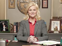 Leslie Knope played by Amy Poehler [Parks and Recreation\ Children: Westley, Stephan and Sonia Leslie Knope, Parks And Recreation, Costume Halloween, Halloween Ideas, Adult Halloween, Parks And Recs, Liz Lemon, Women In Leadership, Amy Poehler