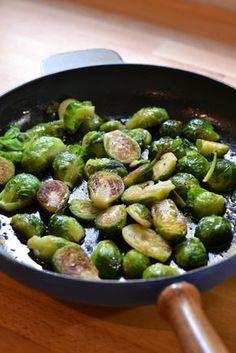 Hunajaiset Ruusukaalit Vegetarian Recepies, Veggie Recipes, Healthy Recipes, Balela Salad Recipe, Food N, Food And Drink, I Foods, Food Inspiration, Love Food