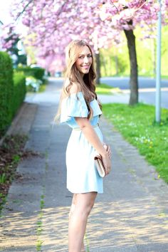 @anthropolige chambray dress by fabes fashion #chambray #chambraydress #anthropologie #fashion #cherryblossoms