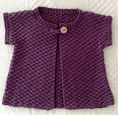 Cute little jacket for Charlottey Knitting For Kids, Crochet For Kids, Knitting Projects, Baby Knitting, Knitting Patterns, Knit Crochet, Sewing Baby Clothes, Crochet Clothes, Tunic Pattern